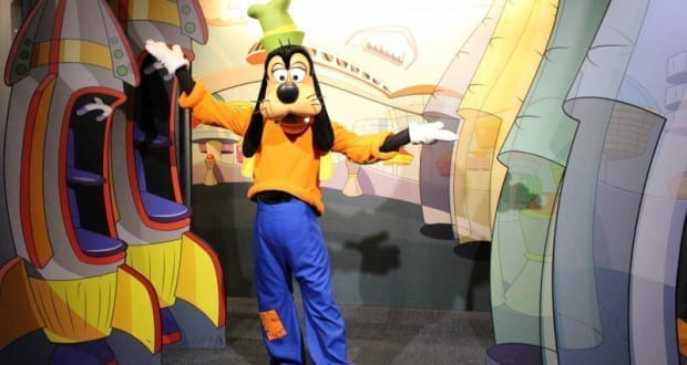 Goofy-Epcot Character Spot
