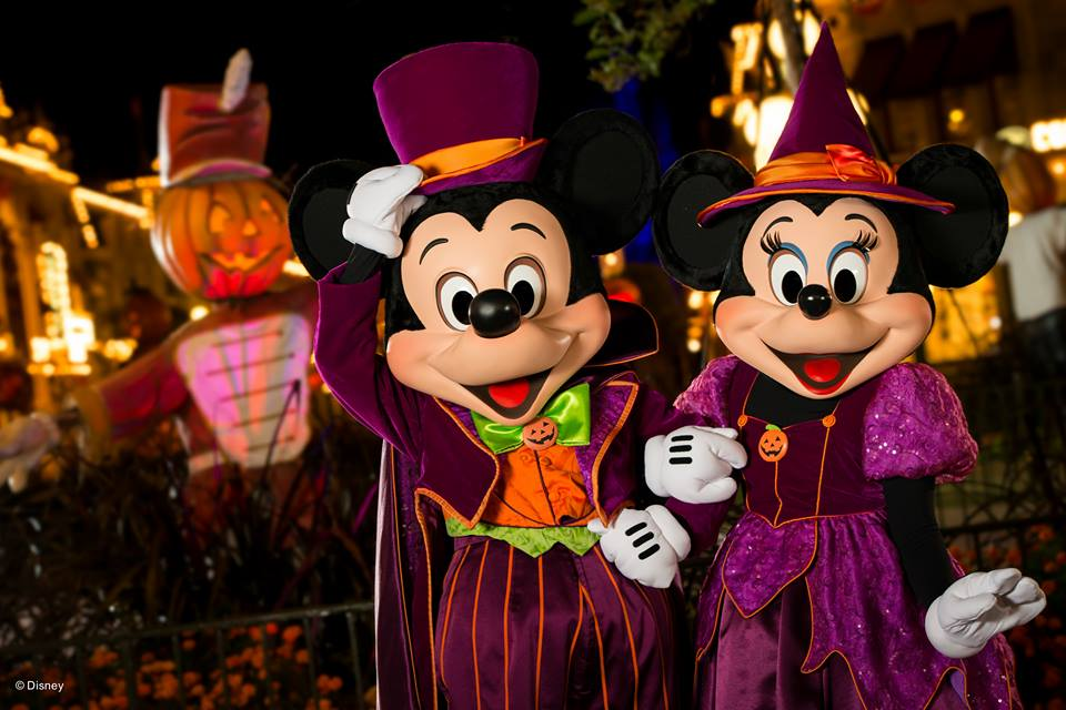 Mickey & Minnie is Costume