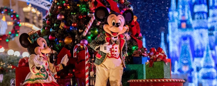 6 things youll love about mickeys very merry christmas party disneylistscom - Disney Christmas Party 2015