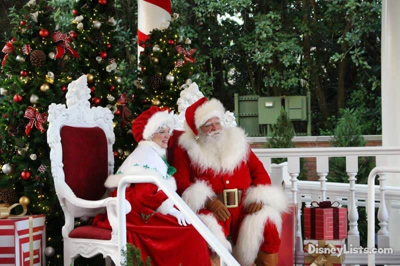 Santa and Mrs. Claus at Epcot