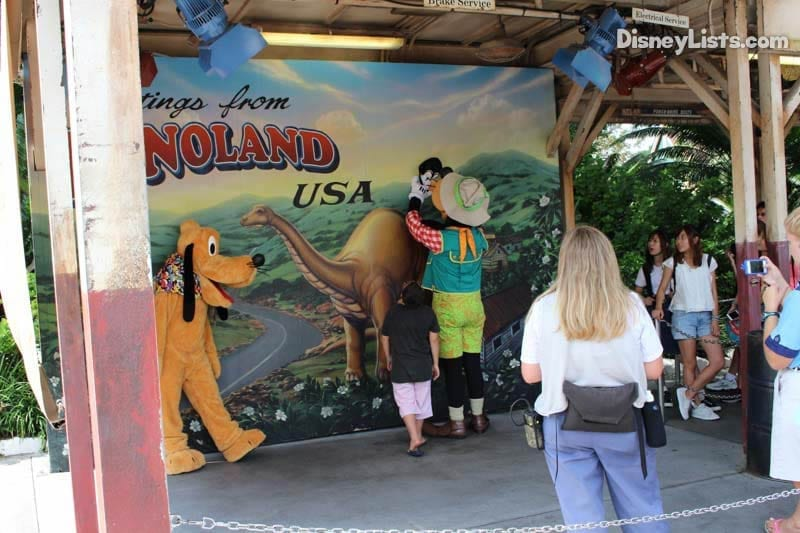 10 Reasons We Love Dinoland U S A In Animal Kingdom At