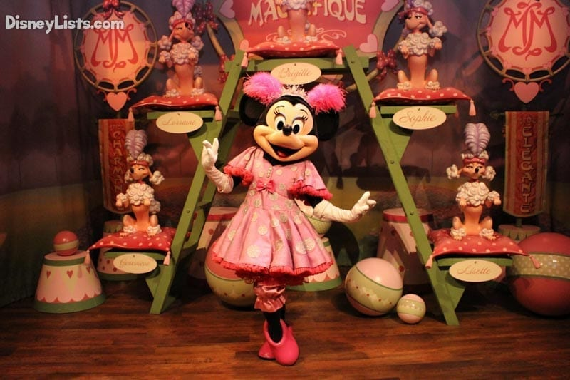 Minnie at Silly Pete's