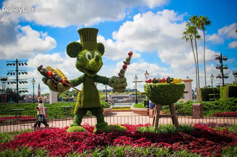 mickey-at-the-food-wine-festival-2015